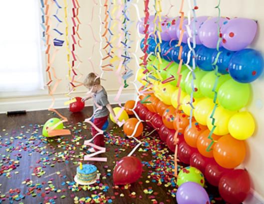 Стенка из воздушных шаров