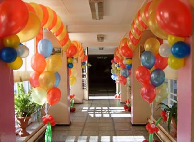 Как оформить выпускной? Несколько идей по украшению выпускного воздушными шариками